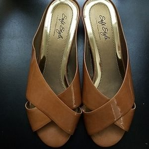 Hush Puppies Brown/Bronze Colored Soft Style